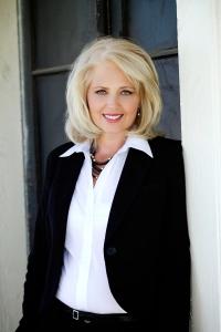 Author Mary Burton
